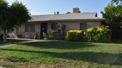 Dinuba Single Family Home For Sale: 180 W Whittaker Way