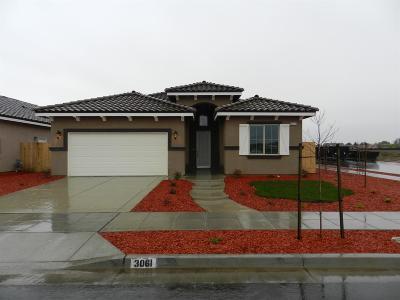 Madera Single Family Home For Sale: 1042 Diamond Way