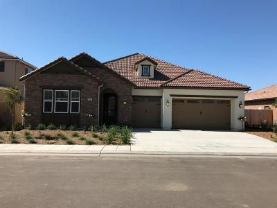 Clovis Single Family Home For Sale: 4064 Lansing Ave