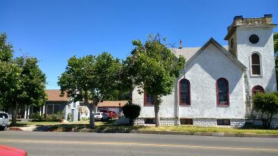 Madera Single Family Home For Sale: 121 N B Street