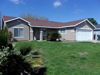 Hanford Single Family Home For Sale: 1060 Summer Field Drive