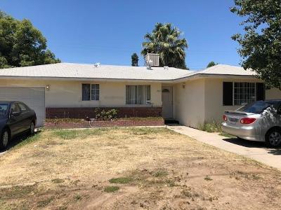 Single Family Home For Sale: 2855 N Chestnut Avenue