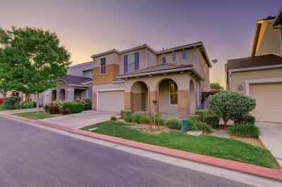 Fresno Single Family Home For Sale: 4618 W Naomi Way