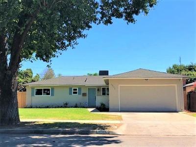 Single Family Home For Sale: 3812 E Ashcroft Avenue