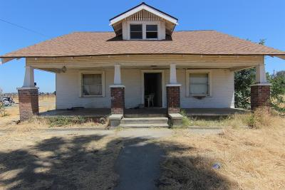 Fresno CA Single Family Home For Sale: $299,900