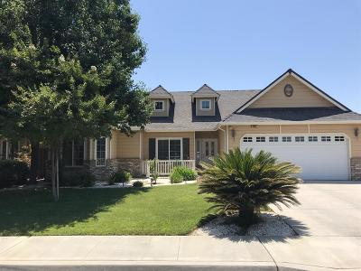 Hanford Single Family Home For Sale: 1597 Vineyard Place