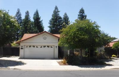 Clovis Single Family Home For Sale: 938 Amber Avenue