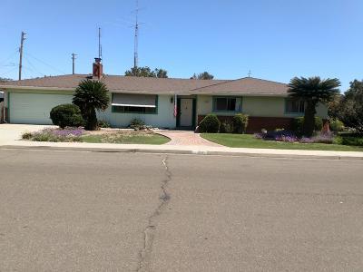 Kingsburg CA Single Family Home For Sale: $259,500