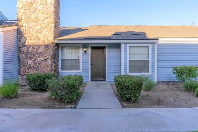 Clovis Single Family Home For Sale: 1472 Mayflower Way