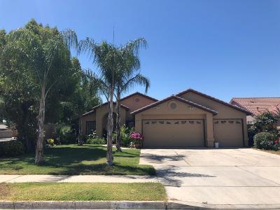 Kingsburg CA Single Family Home For Sale: $299,000