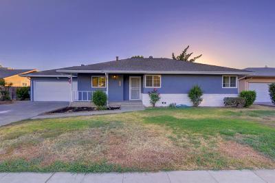 Fresno Single Family Home For Sale: 5235 N Augusta Street