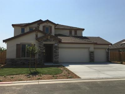 Dinuba Single Family Home For Sale: 1065 Ridge Creek Way