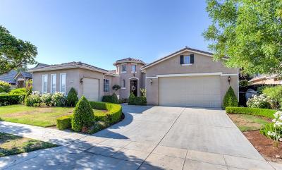 Clovis Single Family Home For Sale: 591 Omaha Avenue