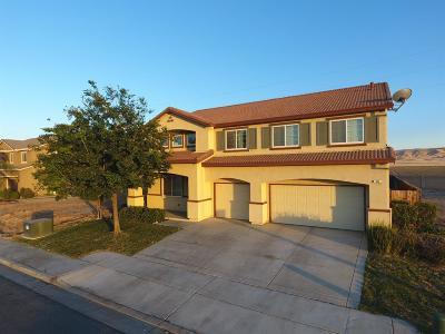 Coalinga Single Family Home For Sale: 824 Petite Sirah Lane