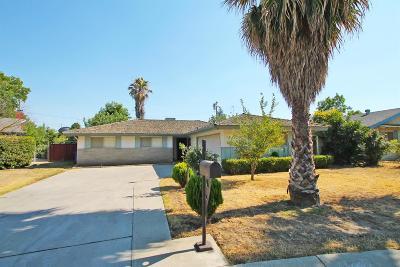 Visalia Single Family Home For Sale: 1207 W Cambridge Avenue