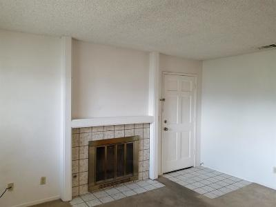Fresno Condo/Townhouse For Sale: 4860 E Lane Avenue #111