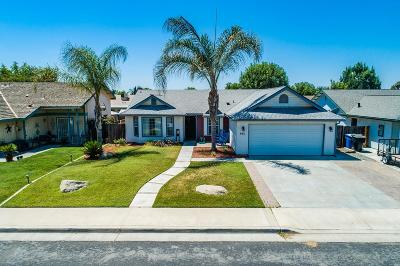 Hanford Single Family Home For Sale: 981 Lakewood Drive