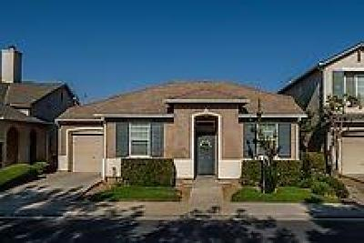 Clovis Single Family Home For Sale: 1627 N Monaco Lane