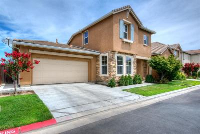 Clovis Single Family Home For Sale: 853 Beauregard Lane