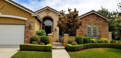 Fresno Single Family Home For Sale: 2039 W Via Tivoli