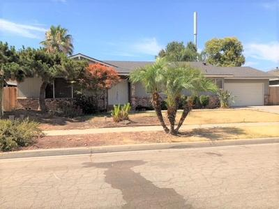 Single Family Home For Sale: 2076 E Fremont Avenue