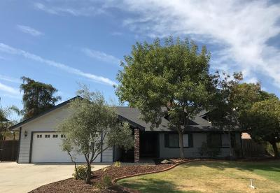Hanford Single Family Home For Sale: 1192 Oxford Way