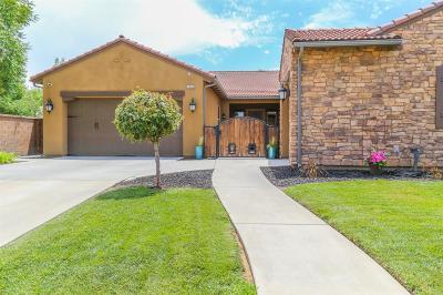 Clovis Single Family Home For Sale: 3288 Beverly Avenue