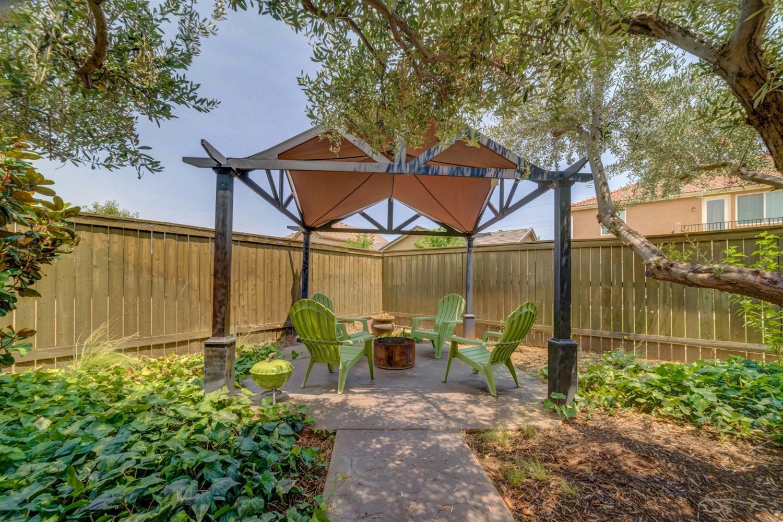 Listing: 4110 N Creekbend, Clovis, CA.| MLS# 506478 | Steve Macias ...