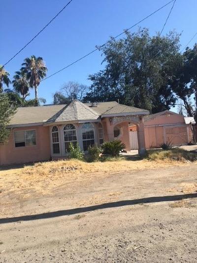 Visalia Single Family Home For Sale: 2411 E Goshen Avenue