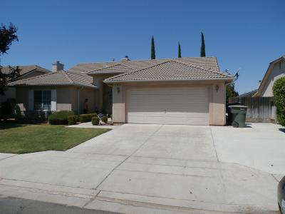 Fresno CA Single Family Home For Sale: $319,000