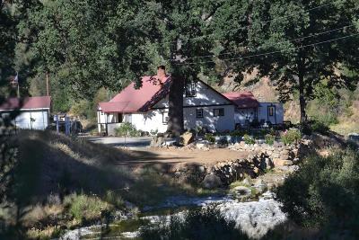 Coalinga Single Family Home For Sale: 24101 Coalinga Rd