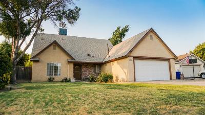 Clovis Single Family Home For Sale: 369 W Fremont Avenue