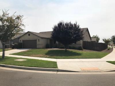 Visalia Single Family Home For Sale: 3102 N Zachary Street