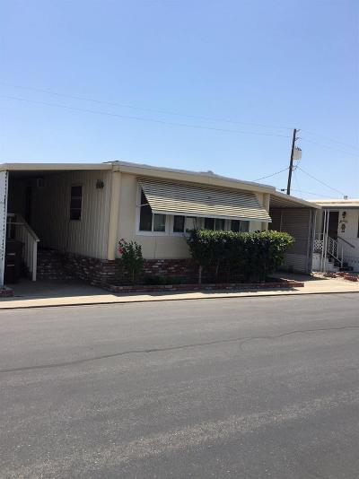 Kingsburg Mobile/Manufactured For Sale: 1551 6th Avenue Drive #34