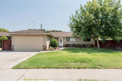 Clovis Single Family Home For Sale: 660 W Santa Ana Avenue