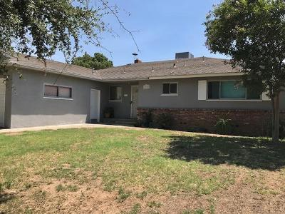 Single Family Home For Sale: 2928 E Santa Ana Avenue