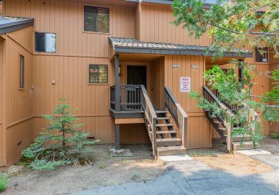 Shaver Lake Condo/Townhouse For Sale: 40788 Oakwoods Lane