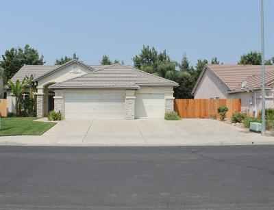 Clovis Single Family Home For Sale: 852 N McArthur Avenue