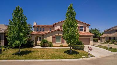 Clovis Single Family Home For Sale: 4163 N Newport Bay