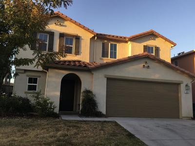 Madera Single Family Home For Sale: 1221 Peach Court