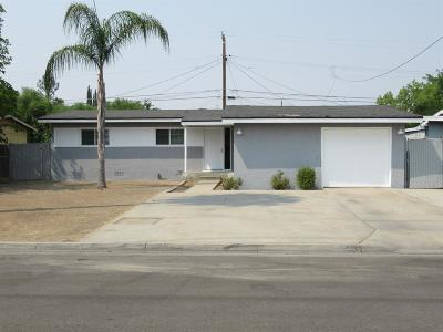 Clovis Single Family Home For Sale: 135 Dennis Drive