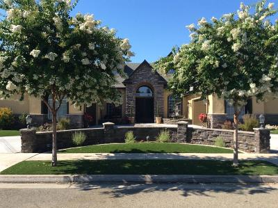 Clovis Single Family Home For Sale: 277 W Trenton Avenue W