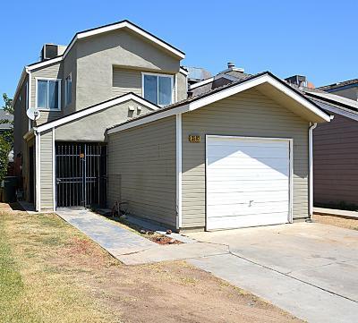 Fresno CA Single Family Home For Sale: $189,900