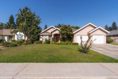 Reedley CA Single Family Home For Sale: $338,000