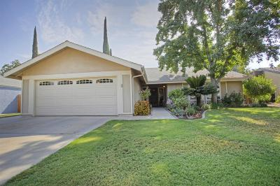 Single Family Home For Sale: 6526 N Winery Avenue