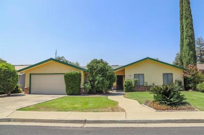 Dinuba Single Family Home For Sale: 857 N Bates Avenue