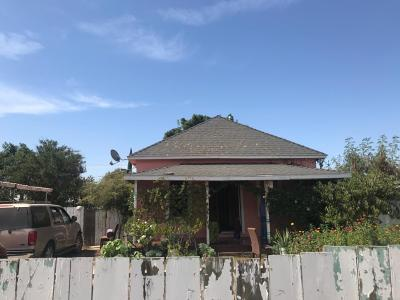 Madera Single Family Home For Sale: 704 S B Street