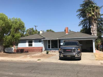 Single Family Home For Sale: 3351 E Harvard Avenue