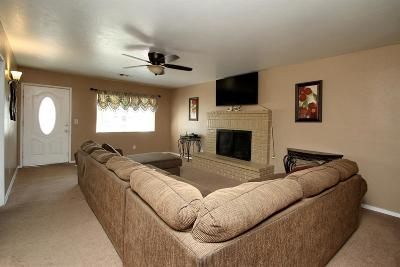 Hanford Single Family Home For Sale: 10090 El Toro Way