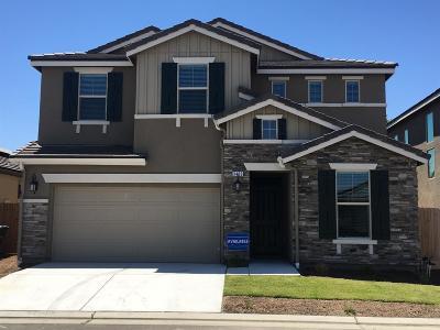 Clovis Single Family Home For Sale: 3430 Taylor Lane